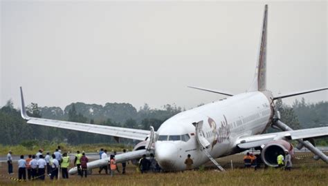 batik air id 7540 yogyakarta halim take off in clear cuaca buruk bandara adisutjipto yogyakarta buka tutup