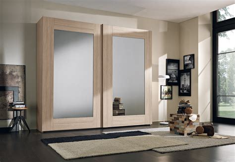 armadio due ante scorrevoli specchio armadio a due ante scorrevoli in olmo con specchi