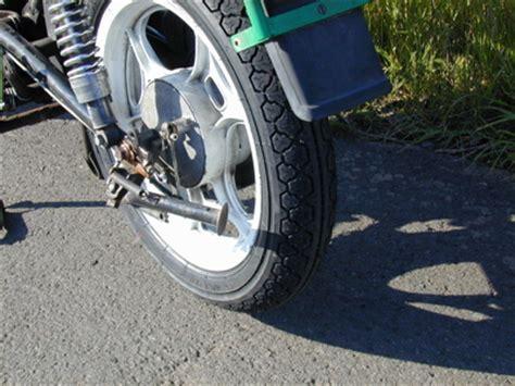 Motorrad Reifen Umziehen by Neuer Reifen Neues Haus Bernis Motorrad Blogs