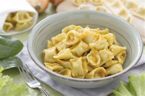 come cucinare i ravioli di carne pasta fresca piemonte regionali le ricette di