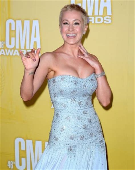 Kellie Pickler Pixie Hairstyle Photos by Kellie Pickler Hairstyles Hairstyles