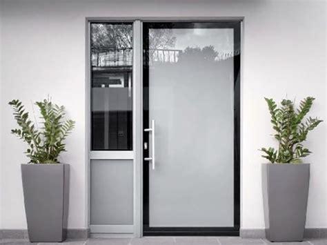 porte ingresso pvc porte d ingresso in alluminio e pvc alluminio tecnofinestra
