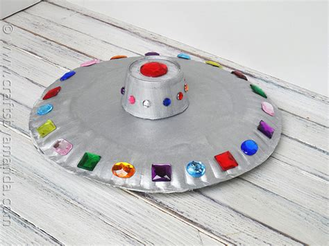 How To Make A Flying Saucer Out Of Paper - paper plate flying saucer crafts by amanda