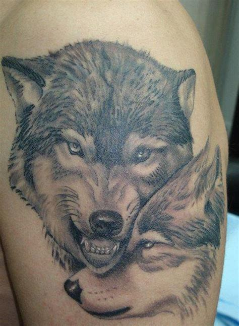 feminine wolf tattoo wolf guards his wolf tattoos