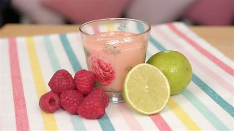 raspberry lime smoothie deliciously sprinkled mango raspberry and lime smoothie mummypages mummypages ie