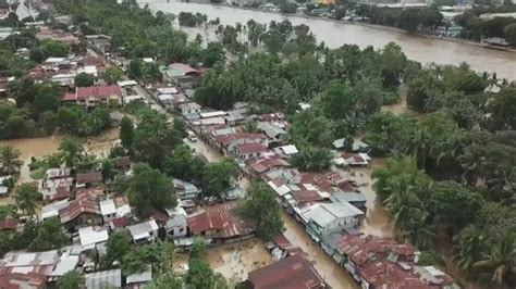 estimated 200 dead after hits the philippines