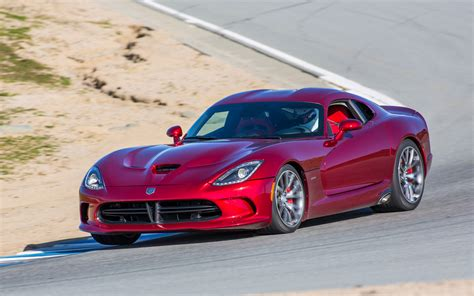 how the 2013 srt viper works howstuffworks by the numbers 1996 2008 dodge viper 2013 srt viper