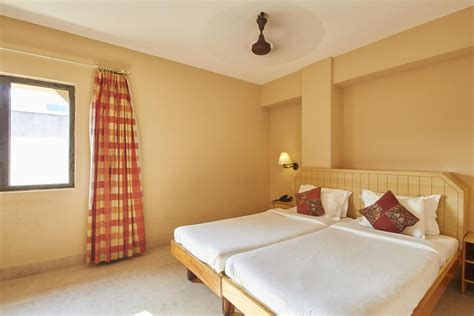 hotels in pondicherry with bathtub hotel surguru pondicherry get upto 70 off on booking