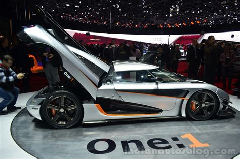 koenigsegg piston geneva live koenigsegg one 1 unveiled all 6 production
