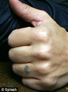 finger tattoo after years peter andre has katie price name tattoo removed from