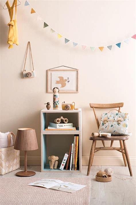 decoracion habitacion infantil vintage dormitorios infantiles con detalles de madera y toques