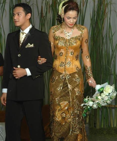 Kebaya Modern Setelan Gold Navy muslim fashion fashion 2012 fashion trends kebaya dress wedding images