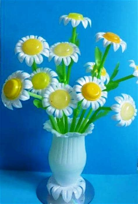 crafts with plastic bottle crafts projects craft ideas