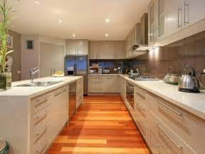 Kitchens Idea Classic Island Kitchen Design Using Laminate Kitchen Photo 338413