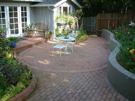 Patio Designs Curved Curved Brick Patio Garden Wall