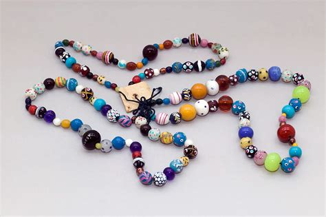 the glass bead trade and albert museum