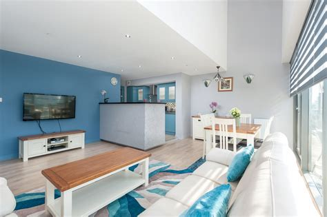 3 Bedroom Flat Glasgow City Centre by Apartments In Glasgow Matrix Apartments Three Bedroom