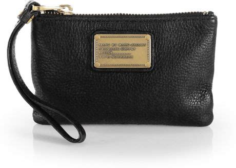 Marc Beckham And Marc Wristlet Clutch by Marc By Marc Classic Q Small Wristlet In Black Lyst