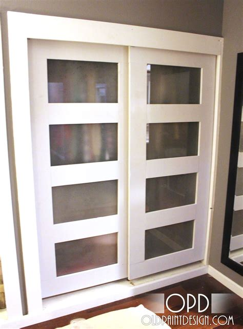 Diy Sliding Closet Door White Bypass Closet Doors Diy Projects