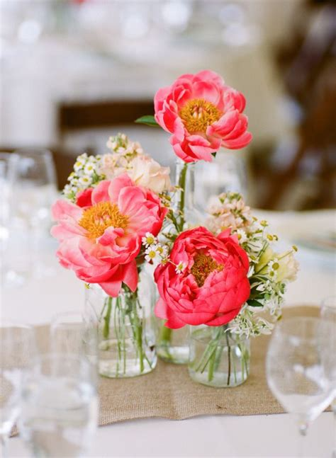 Small Vases For Centerpieces 17 Best Ideas About Small Flower Arrangements On