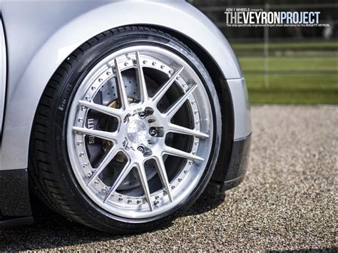 bugatti wheels finally bugatti veyron on adv1 wheels