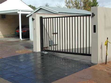 swing gate swing gates