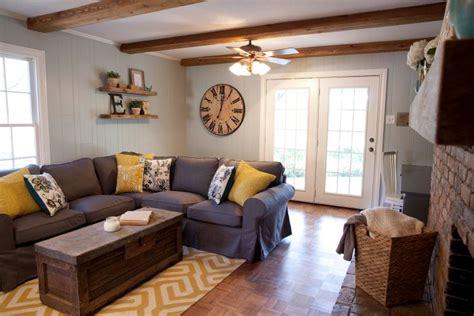 hgtv dream bedrooms fixer upper hgtv living rooms fixer as seen on hgtv s fixer upper hgtv shows experts