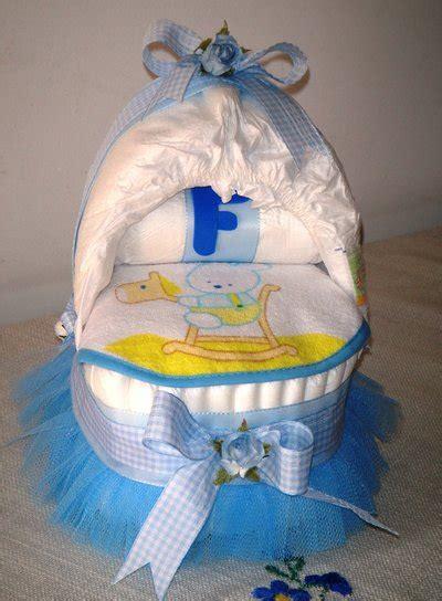 culla di pannolini culla di pannolini con tulle e fiori azzurri idea regalo