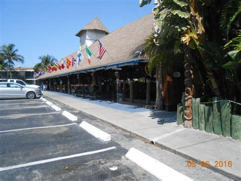 Tiki Hut Bar And Grill Cape Coral paradise tiki hut bar grill 29 foton 43 recensioner tikibarer 1502 miramar st cape