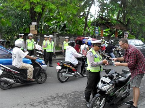 common tourist trapsscams  bali    avoid