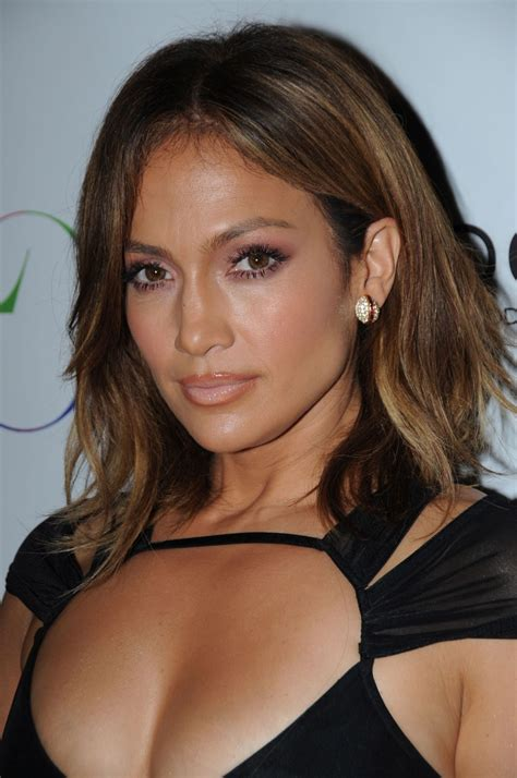 best hair style for a 46yr jennifer lopez celebrates her birthday at 1oak club in new