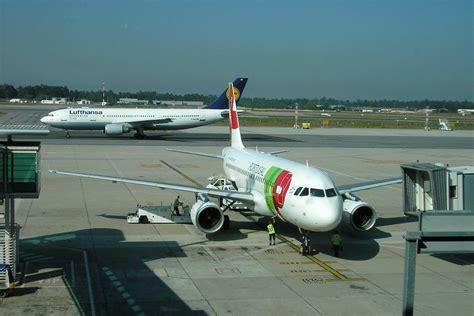airport in porto portugal aeropuerto de oporto francisco s 225 carneiro