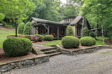 miranda lambert buys tennessee compound popsugar home