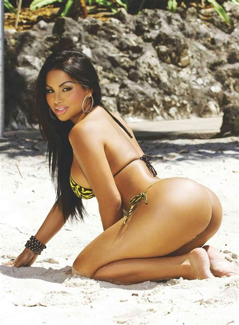 pe central juicy babes muscular thick mexican goddess of fitness model dolly castro