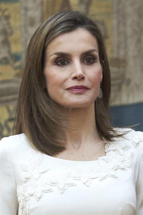 spain hair styles queen letizia of spain medium layered cut queen letizia