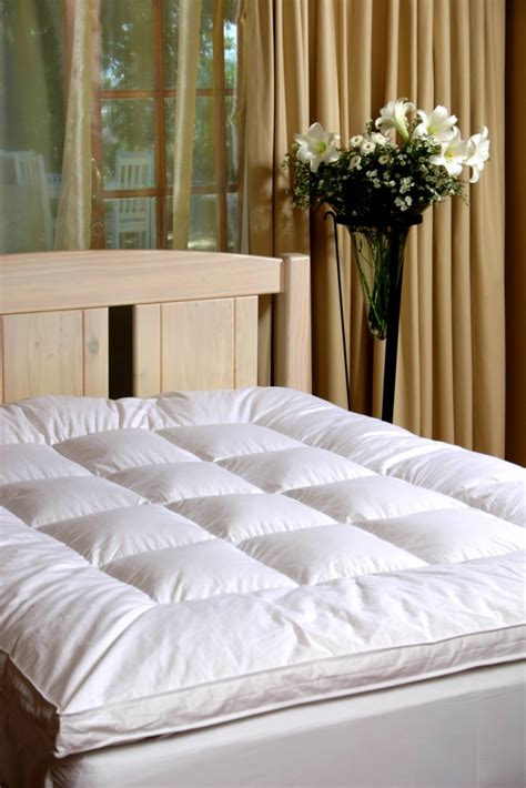 How To Choose A Mattress Topper by How To Choose A Feather Mattress Topper