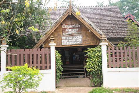the boat landing guest house and restaurant premi 232 re nuit au laos quot the boat landing quot voyages et