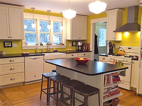 shaker painted cabinets new england kitchen remodel shaker cabinets new england kitchen remodeling