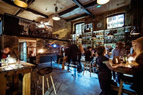 top edinburgh bars best whisky tasting bars in edinburgh visitscotland