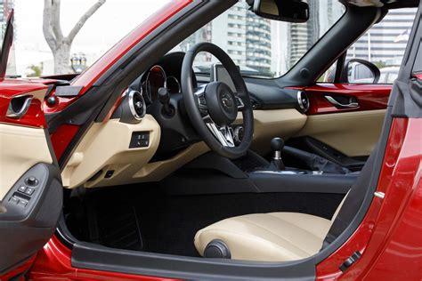 Mazda Miata Interior by 2017 Mazda Mx 5 Miata Rf Driver Side Interior Motor Trend