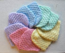 Free newborn crochet baby hat patterns