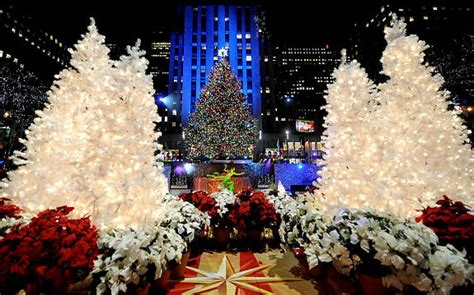 how many lights are on rockefeller christmas tree rockefeller center tree lighting o tree ny daily news