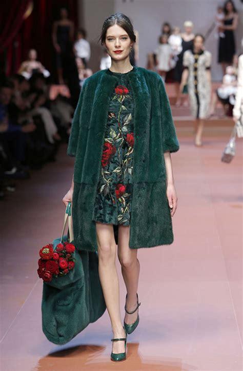 vestito fiori vestito a fiori gli abbinamenti diredonna