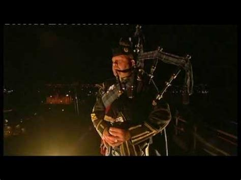 edinburgh tattoo lone piper list lone piper edinburgh military tattoo 2009 youtube