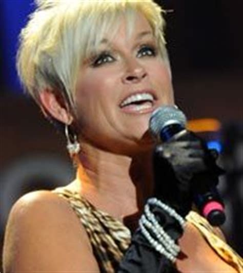 lorrie morgan short hairstyles 2000 hairstylegalleries com 1000 images about country music on pinterest lorrie