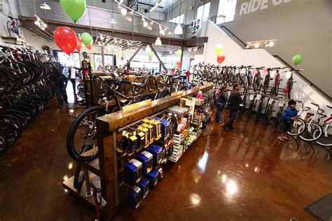 new bicycle warehouse location is giant partner store