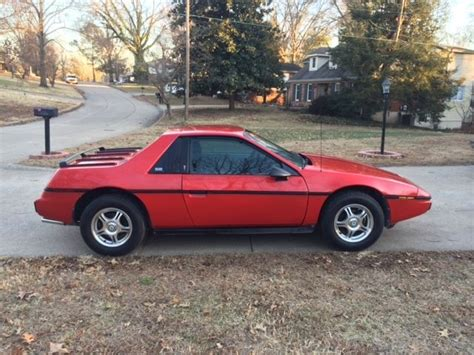 old car owners manuals 1985 pontiac fiero transmission control 1985 pontiac fiero se 4 speed manual transmission excellent condition for sale in cape