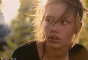 blue is the warmest color chapter 2 critics choice awards 2014 adele exarchopoulos 20
