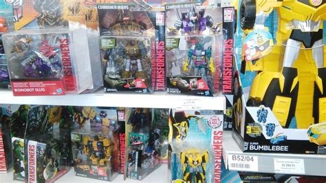 Minicon Retail cw combaticons rid minicon 4 and 2pack out at retail in hungary tfw2005 the 2005 boards