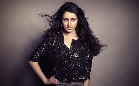 desktop themes bollywood actress wallpaper shraddha kapoor indian actress bollywood